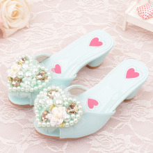 Детские лаковые тапочки для девочек; модные домашние туфли в форме сердца, цветок жемчужного кружева; стильные элегантные туфли принцессы для девочек; 705