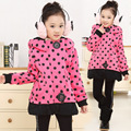 Free shipping Winter girl dot fleece jacket to keep warm hoodie of the girls