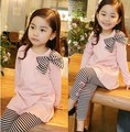 Varejo e wholesle 2016 primavera e outono conjuntos de roupas crianças da menina da criança roupa dos miúdos top com arco + leggings listradas 2 pcs