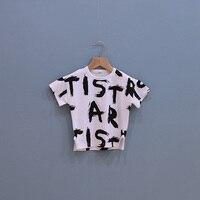 Boutique de roupas de bebê de boa qualidade para crianças carta doodle-manga curta T-shirt