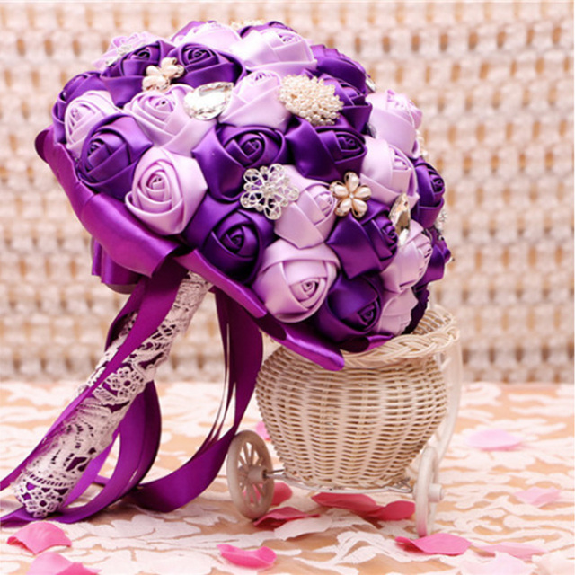 Top Quality Luxury Purple Lilac Bridal Bouquet De Mariage Pearls Crystal Embellishment Under Lace Artificial Flower