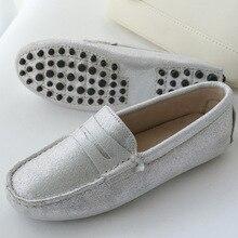 Vente chaude 100% Véritable Cuir Femmes Chaussures Printemps Été de Haute Qualité Appartements Conduite Chaussures Marque Femmes mocassins