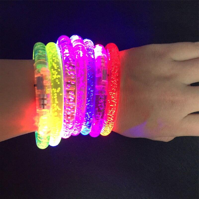 Livraison gratuite 50 pcs/lot LED anneau de main lumineux Bracelet acrylique Bracelet bulle couleur changeante Bracelet clignotant clignotant fête-in Accessoires de fête lumineux from Maison & Animalerie    1