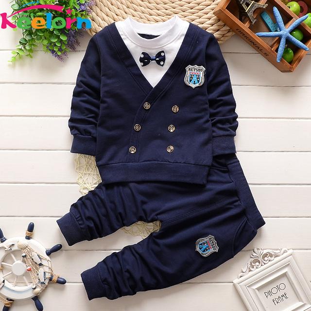 Keelorn bebé ropa 2017 Otoño estilo Casual ropa de bebé establece arco guapo solapa de manga corta chándal de los niños