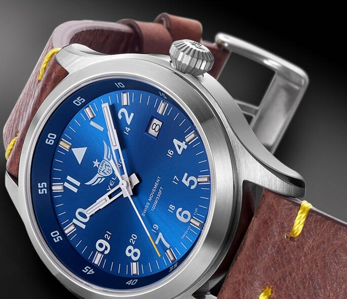 Yelang hombre reloj piloto batería de litio reloj de cuarzo Tritium T100 Ronda movimiento WR100M zafiro genuino cuero militar reloj-in Relojes de cuarzo from Relojes de pulsera    3