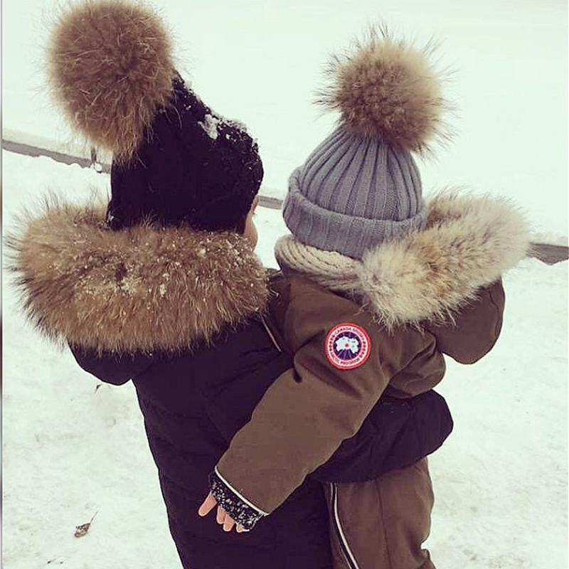 2 Pcs Real fur hat family big pom pom hat Knitted Hat Boy Girl Crochet Beanies real raccoon Fur Ball Kids Hats Caps new in stock ve j62 iy vi j62 iy