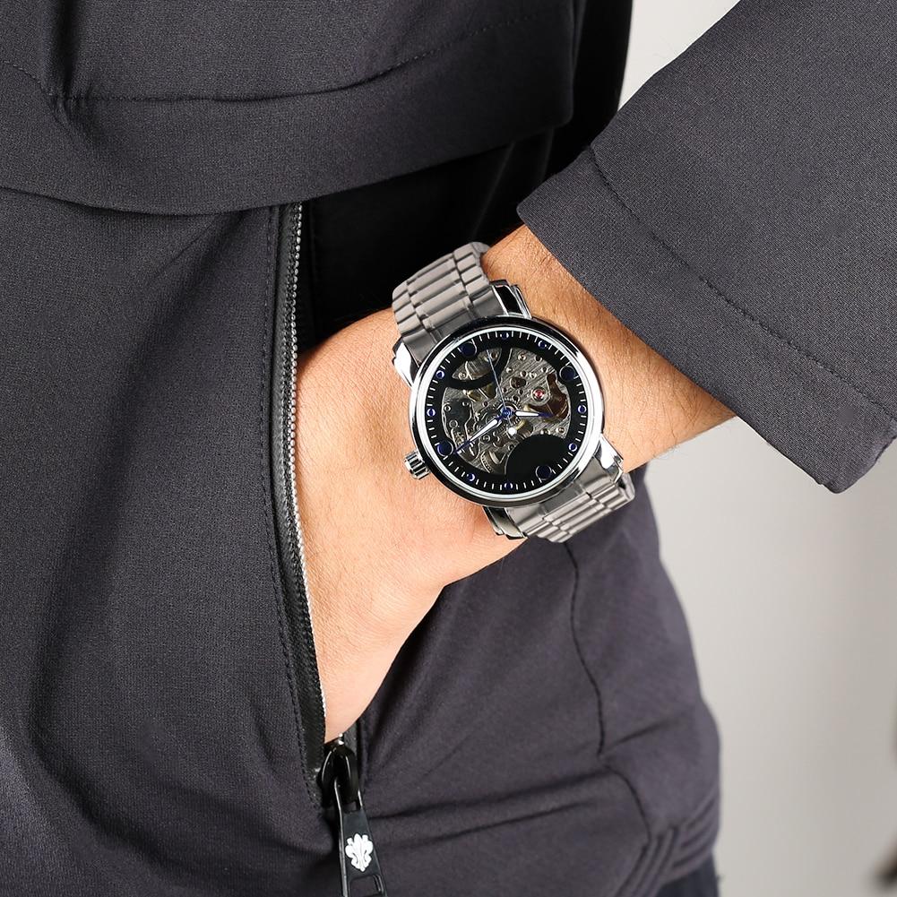 Relógio de pulso mecânico de couro de