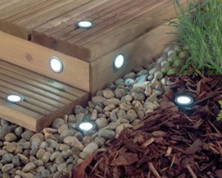 Iluminacion led exterior jardin gallery of with - Iluminacion solar exterior ...