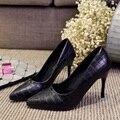 Los nuevos zapatos de las mujeres señaló zapatos de tacón alto con lentejuelas atractiva delgada de gran tamaño zapatos de las mujeres solteras zapatos de boda Tamaño 40