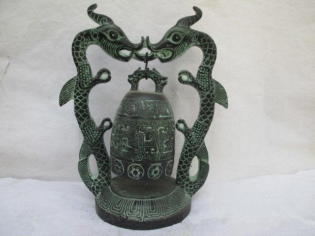 Cloche de statues de dragons en bronzeCloche de statues de dragons en bronze