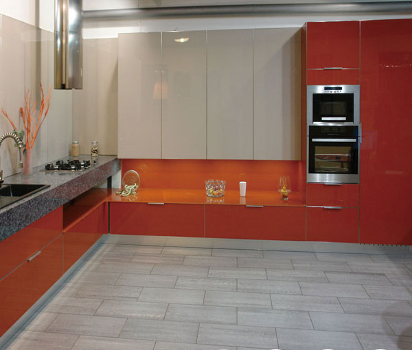 White Lacquered Kitchen Cabinetry: Glaze White And Red Lacquer Kitchen Cabinet-in Kitchen