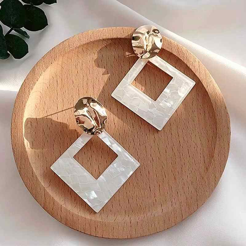 Big Acrylic Drop Dangle Earrings For Women White Geometric Statement Earrings 2019 Fashion Jewelry Simple Korean Style Bijoux