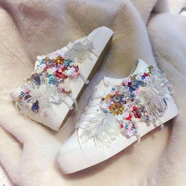 Original personnalisé tout à la main perlée fleur gland à l'intérieur de haute blanc en cuir chaussures décontractées baskets