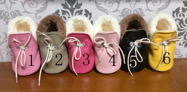 Оптовая 20 лот цвета из натуральной кожи детские мокасины зимний мех зашнуровать обувь малыша prewalker мягкой подошвой первый ходок оптом
