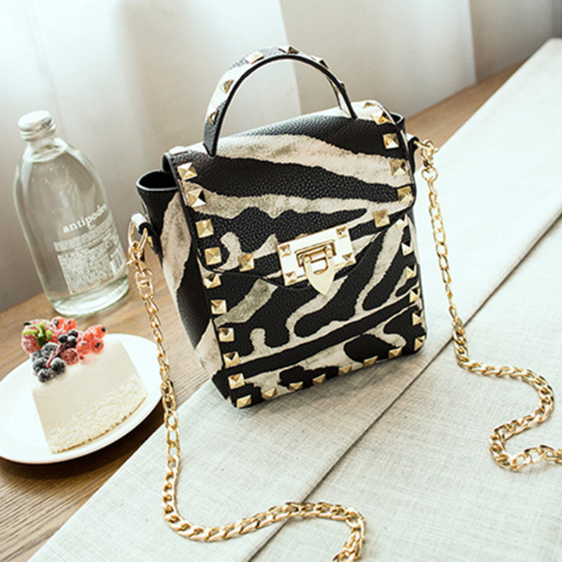 2016 Fashion Female Rivet Bag Handbags Clutches Bolsa Feminina Women Small PU Leather Messenger Bags Crossbody Shoulder Bags fashion handbags pu leather women shoulder bag mickey big ears shell sweet bow chains crossbody female mini small messenger bag