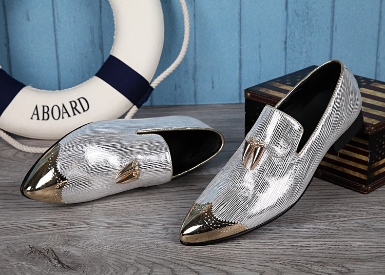 Silver Metal Pointed Toe Men Loafers England Style Shinny Slip On Boat Shoes Oxfords Spring Autumn Men Dress Shoes OxfordsSilver Metal Pointed Toe Men Loafers England Style Shinny Slip On Boat Shoes Oxfords Spring Autumn Men Dress Shoes Oxfords