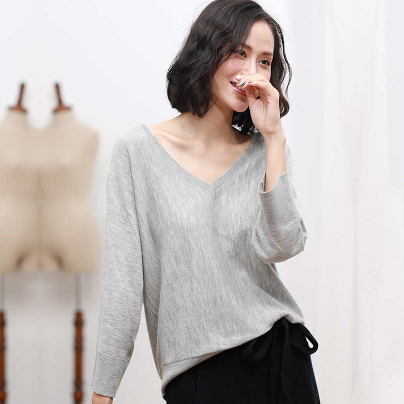 2018 New Gray Cashmere Sweater Woemn Casual Loose Sweater 100% Pure Cashmere V Neck Sweater Pullover Long Sleeves Warm Sweaters women s sweater pullover 100% genuine goat cashmere women sweaters and pullovers knit round neck long sleeves thick sweaters