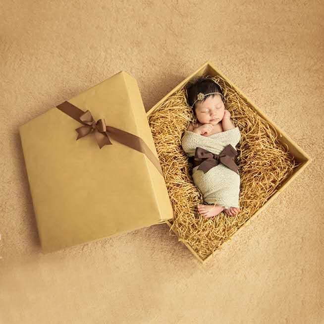 Newborn Baby Photography Gift Box with Blanket Hairband and Riband Novetly Photoshoot Props 45*45cm Wooden Case