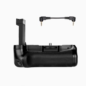 Image 5 - New Profeesional Multi Power Battery grip pack holder for  Canon EOS 800D/Rebel T7i/77D/Kiss X9i DSLR camera work with LP E17