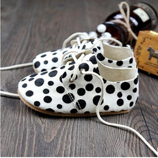 2016 niños del resorte zapatos de crin cuero genuino polka dot zapatos de un solo niño músculo de la vaca zapatos de cuero del bebé