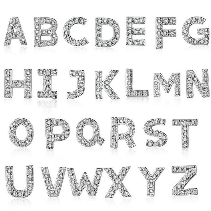 Boucles d'oreilles en argent vente chaude mode 26 pièces lettre anglaise brillant cristal 925 en argent sterling dames boucles d'oreilles en gros cadeau