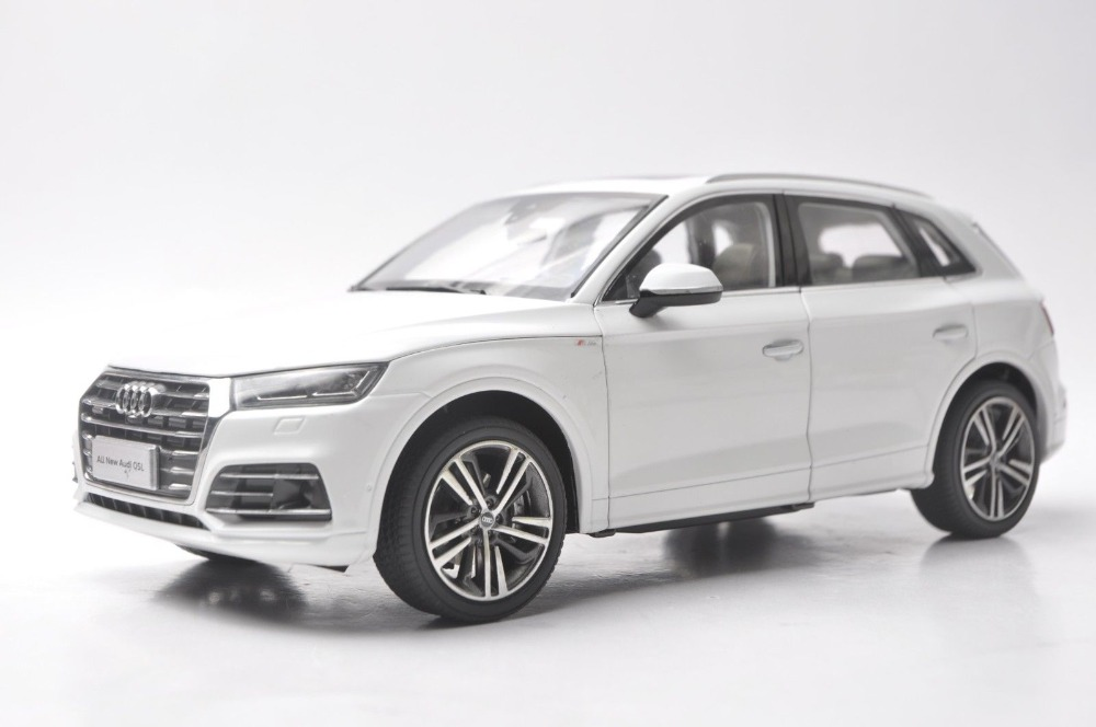 1:18 Diecast Model for Audi Q5L Q5 2018 White SUV Alloy Toy Car Miniature Collection Gifts