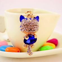 Lesklý přívěsek s kamínky na klíče – krásná modrá kočička