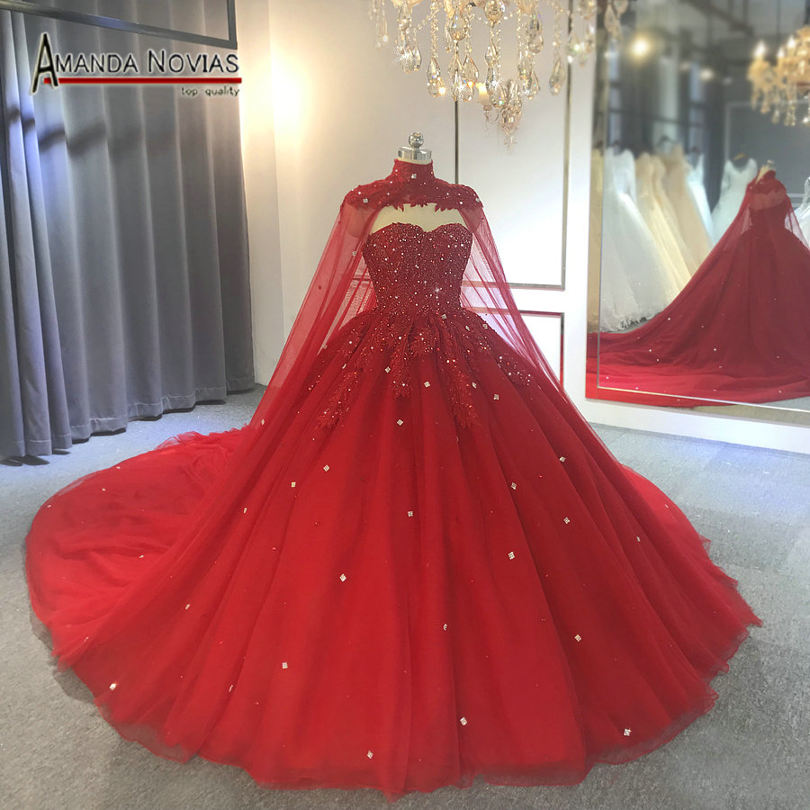 Robe De Mariee 2019 Red Wedding Dress With Cape Wedding Party
