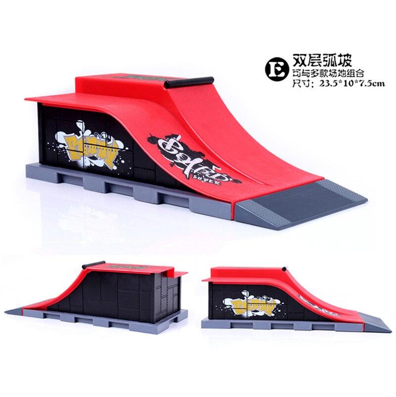 Modelo A + D + E Mini rampa dedo Skateboard Park/Skatepark Tech-Deck Skate Park incluye 3 tableros de dedos conectados Arc Chute forma - 4