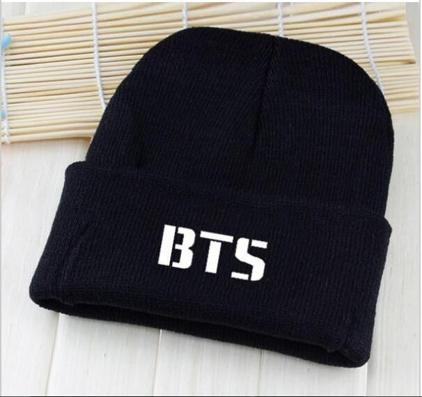 BTS 2017 kpop hats wool cap Bangtan children with paragraph Korean wool cap Harajuku couple BTS k-pop cover cap caps Skullies 2017 hot sale kpop fashion harajuku bts infinite fisland boyfriend snsd bap tvxq shinee umbrella