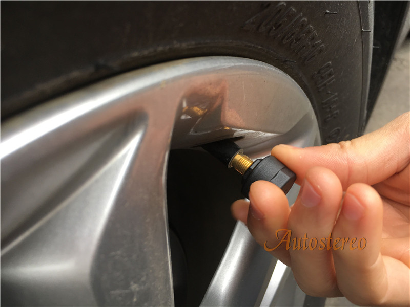 ZWNAV TPMS Car Tire Pressure Monitoring System Car 4 External Sensor Alarm System Improve Fuel Efficiency giantree external car automotive tire pressure monitoring system tpms solar energy alarm abnormal car alarm