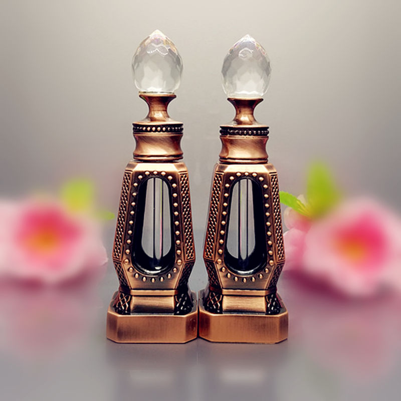 10ml Antique Perfume Bottle Hollow Out Glass Essential Oil Bottle Empty Cosmetic Container Craft Decoration Gift for Christmas 2pcslot 15ml cc hollow out copper color middle east essential bottle for oils perfume empty glass bottle for wedding decor