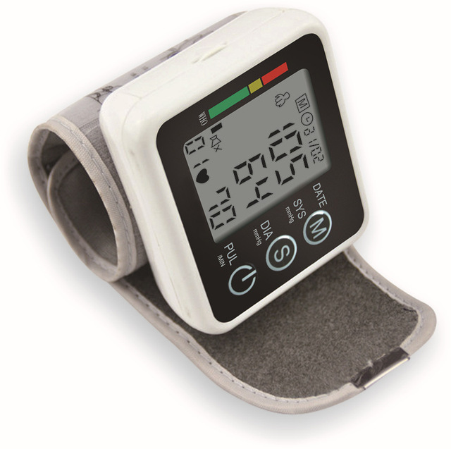 Health Care Germany Chip Automatic Wrist Digital Blood Pressure Monitor Tonometer Meter for Measuring And Pulse Rate