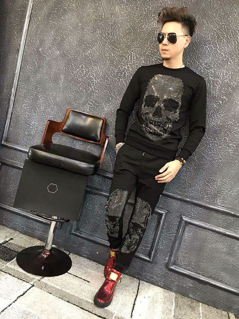 Free Shipping 2017 New Fashion Men Hoodies Brand Sportsuits  Skull Rhinestone Man Sweatshirt  Casual Hooded  Tracksuits for Male