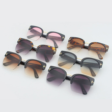Women's Fashion Sunglass