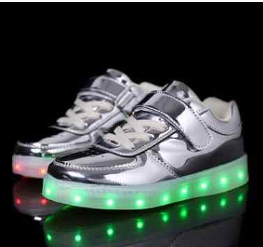 ใหม่ฤดูร้อนเด็กระบายอากาศรองเท้าผ้าใบแฟชั่นกีฬาLed Usbส่องสว่างLightedรองเท้าสำหรับเด็กทำงานเด็กลำลองสาวแฟลต