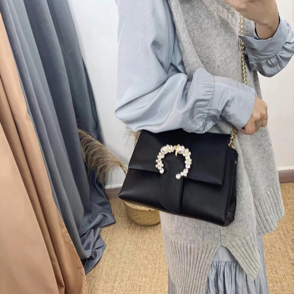 Fashionable womens handbags High quality chain shoulder bag Luxury metal buckle diamond ladies clutch Fashionable womens handbags High quality chain shoulder bag Luxury metal buckle diamond ladies clutch