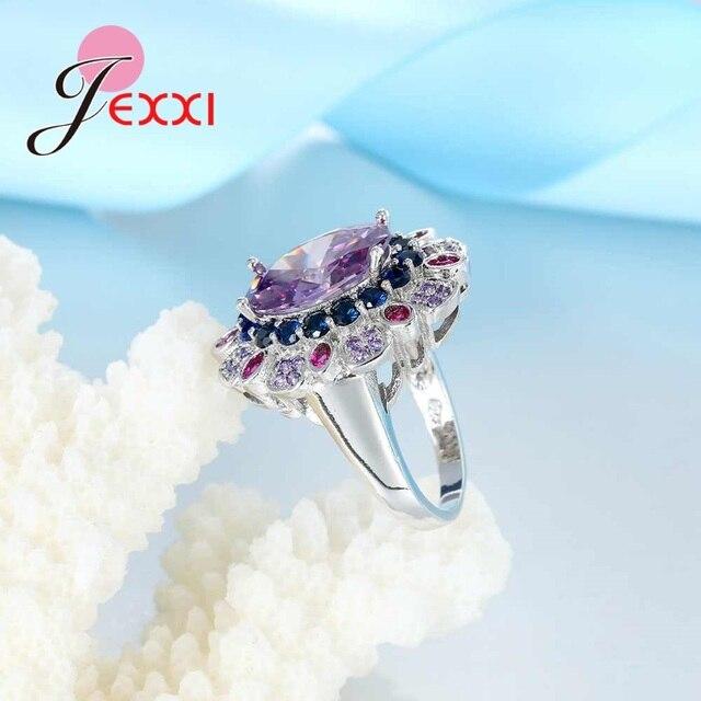Женское серебряное кольцо с фиолетовым камнем