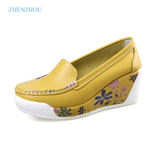 2017 Spring summer shake shoes Breathable hollow out Single women shoes The nurse's shoes are white and platform shoes