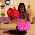 Criativo LED Colorido rosas casamento travesseiro coração AMOR travesseiro almofadas de pelúcia brinquedos