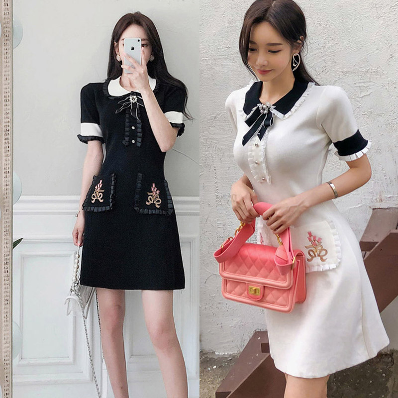 2019 Summer New Korean Temperament Sweet Doll Collar Bow Slim Knit Dress Casual Fashion Sexy Embroidery Stitching Dress