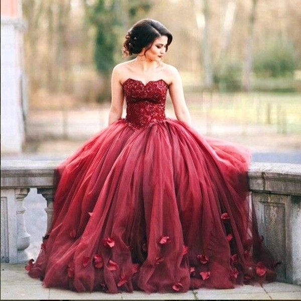 2019 Burgundy Tulle Ball Gown Quinceanera Dresses Petals Sweet 16 Long Sleeves Sweetheart Prom Gowns vestidos de 15 debutante