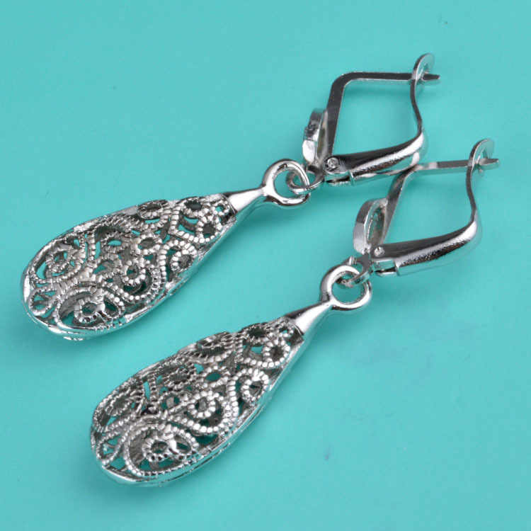 Vintage ขาวทองจี้ขนาดใหญ่ water drop ต่างหู ear piercing dangle แกะสลักต่างหูดอกไม้สำหรับผู้หญิง boucle d'oreille