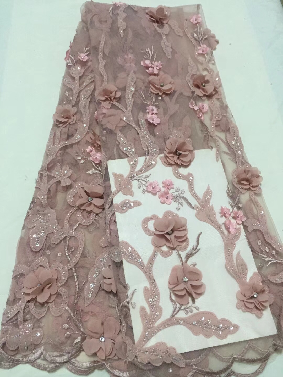 The latest Nigerian lace fabric 2018 high quality tulle African lace fabric wedding French tulle lace CD24361
