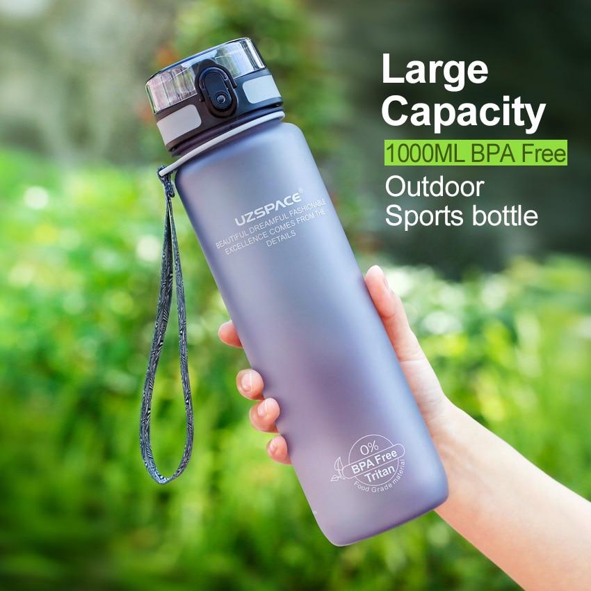 UZSPACE 1000 ML Botellas de Agua libre de BPA proteína Coctelera Matorrales Portátil Espacio Adulto Deportes ciclismo Senderismo viaje camping Mis Botellas