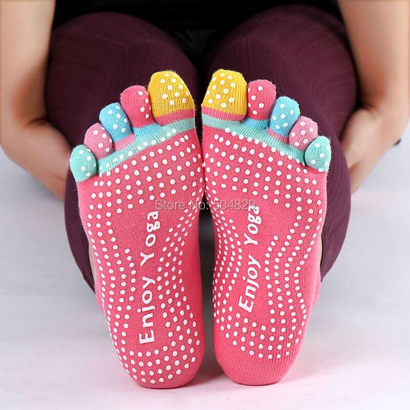 Wholesale 100pcs lot indoor female non slip Yoga socks 5 Toe sports dancing socks