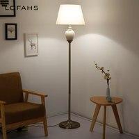 Стоящая гостиная напольная стойка для лампы свет Гостиная прикроватная пианино для чтения современный Декор Спальня фарфоровая лампа YX9016 L