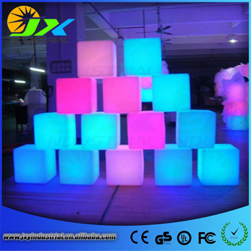 Free shipping 25*25*25cm rechargeable Wireless remote led inductive charging cube Chair ...