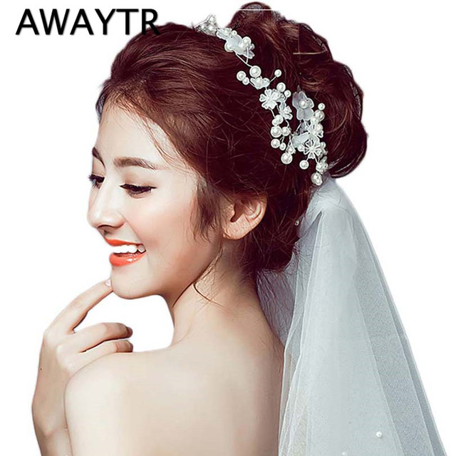 Bride Crystal Pearl Flower Headpiece 2017 New White Floral Headdress Hair Accessories Wedding Crown Hairpins Hair Clips