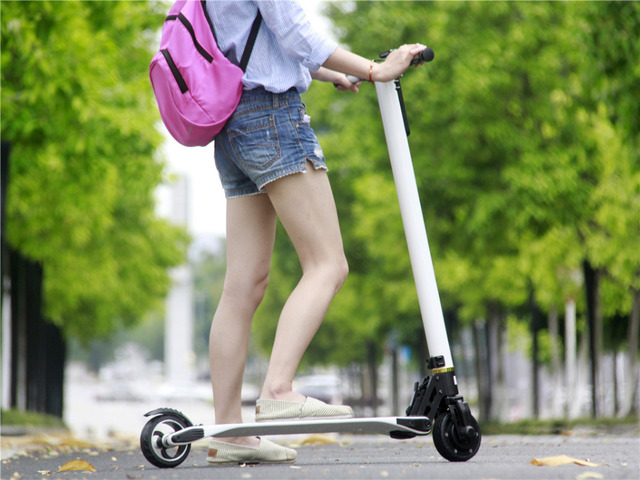 Cheap  Factory direct  Puerile Carbon Fiber folding Electric Scooter foldable kick Scooter LG 10Ah The Lightest In the World e-bike